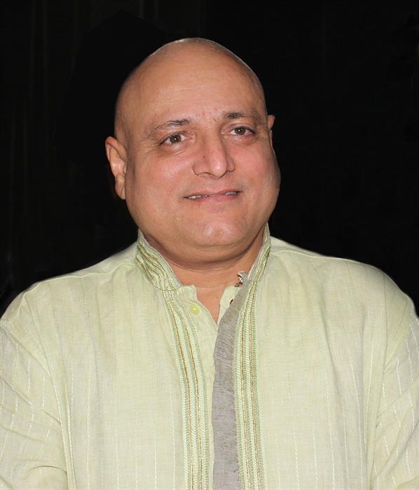 Sự xuất hiện của Manoj Joshi trong bất kỳ bộ phim nào dù ông đảm nhận vai  chính diện hay phản diện đều mang lại hứng thú cho khán giả truyền hình.
