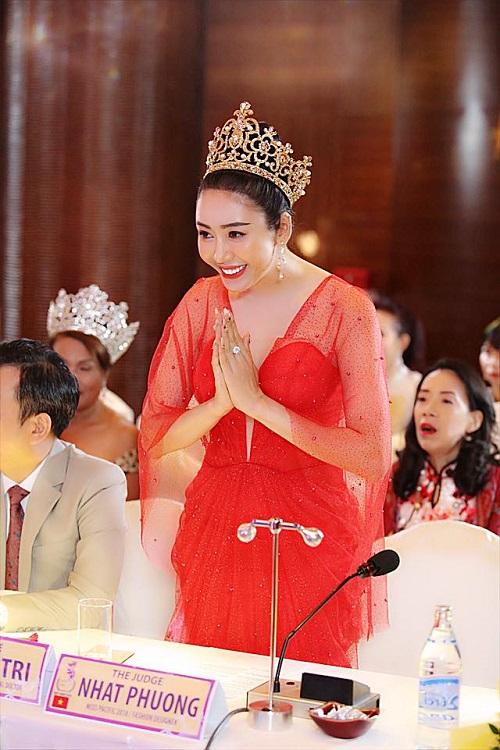"""Image result for NTK Nhật Phượng tung bộ sưu tập dạ hội mới mang tên """"Cành vàng lá ngọc"""""""