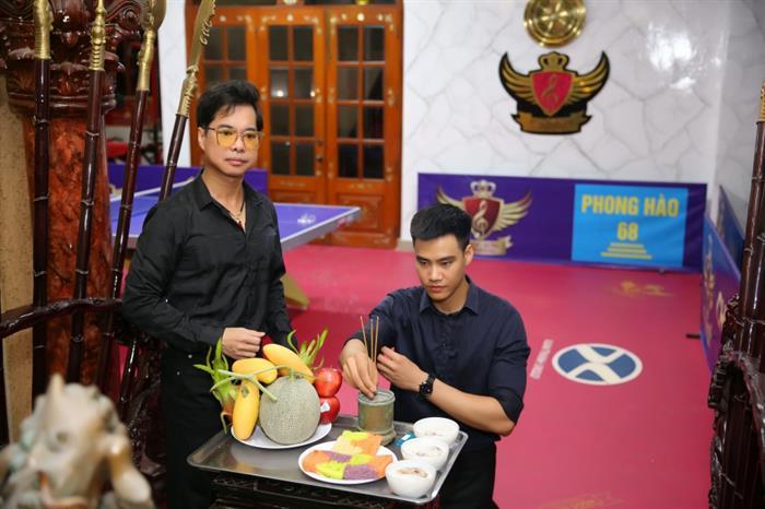 Siêu mẫu, ca sĩ Hùng Cường làm lễ đổi nghệ danh